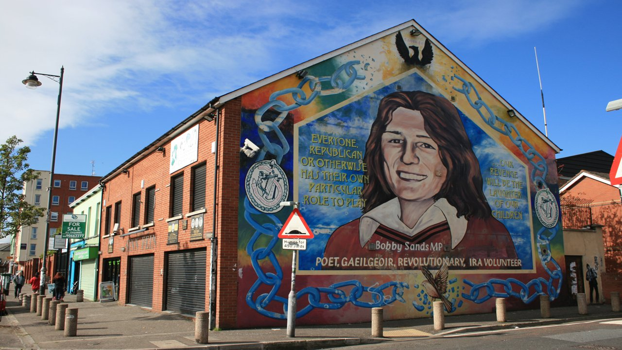 Black cab tours vagabonds belfast for Belfast mural tours